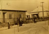 """28. Sátortetős városi ablakos """"kockaházak"""", Hantos, Fő utca 63–65."""