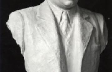 0000: Diktátorok szobrásza